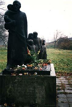 Statue commemorating Janus Korczak.