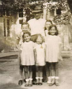 Uncle Joe and the nieces. The two little ones died in Auschwitz.