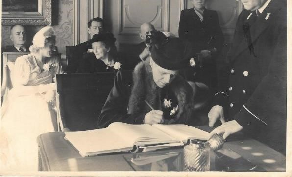 Margriet Bogaards signs as witness and legal guardian at the wedding of Elisabeth and Ernest at The Hague, April 22, 1949